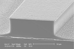 MIT-Terahertz-Laser-01_0