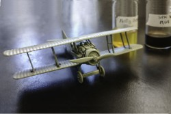Silk Glue Model Airplane